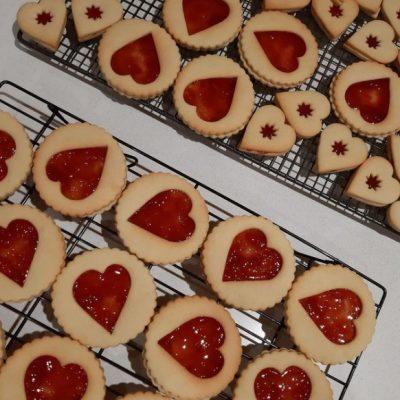 Linzer cookies by Bloom Bakers