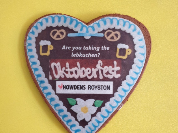 Lebkuchen hearts for Oktoberfest made by Bloom Bakers